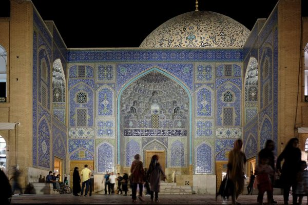Naqshe-Jahan-Mosque-Isfahan-Dara-Tsh-See-You-in-Iran