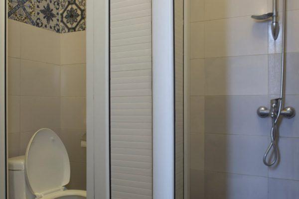 SYI-Hostel-Bathroom